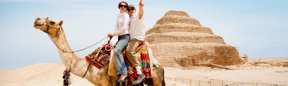 Día 2: Descubrir las Pirámides en Guiza y Saqqara
