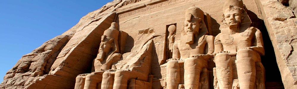 Día 3: Explorar el Templo de Abu Simbel