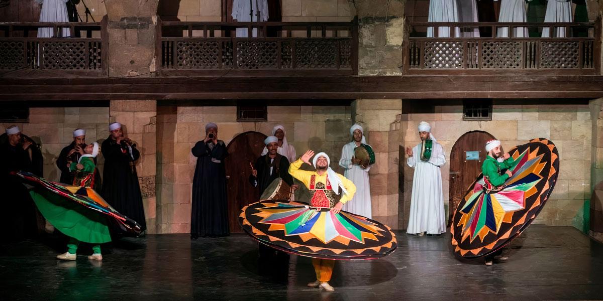Danza de Tanoura en Wekalet El Ghuri