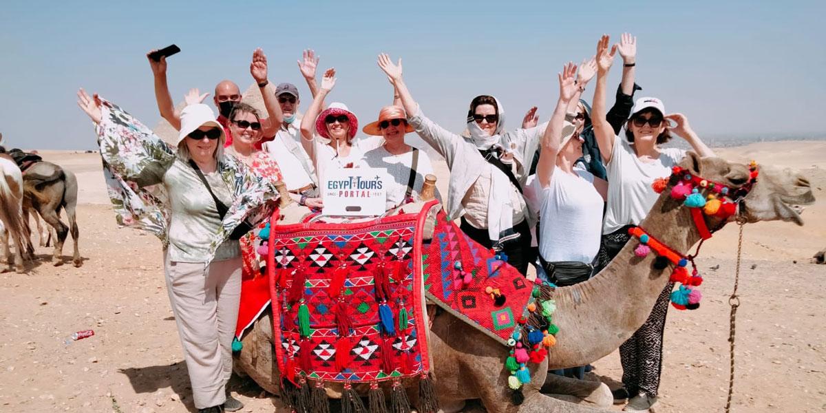 Paseo en Camello en las Pirámides de Guiza