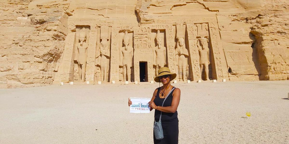 Excursión desde El Gouna a Luxor y Abu Simbel en 2 días